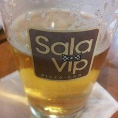 Photo taken at Sala Vip Pizza Bar by Fernanda Z. on 2/9/2013