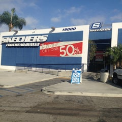 Photo taken at SKECHERS Factory Outlet by Theron X. on 9/25/2013