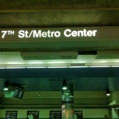 Photo taken at 7th St/Metro Center (Julian Dixon) Metro Station by Theron X. on 2/28/2013