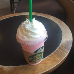 Photo taken at Starbucks (สตาร์บัคส์) by -☠ɪɳɵɛч ч❥ on 9/20/2015