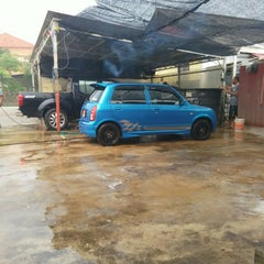 Photo taken at DIC Car Wash by Amir I. on 10/3/2015