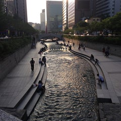 Photo taken at 광통교 by 윤경 최. on 9/17/2013