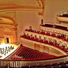 Photo taken at Carnegie Hall (Stern Auditorium/Perelman Stage) by Mylik G. on 2/17/2013