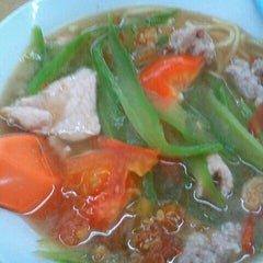 Photo taken at Restoran Mayiang Jaya by Yan D. on 9/30/2012
