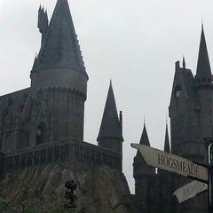 Photo taken at The Wizarding World Of Harry Potter - Hogsmeade by Fernanda C. on 1/18/2013
