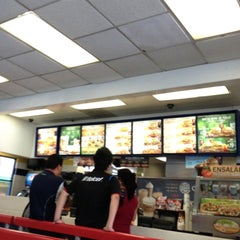 Photo taken at Burger King by Gerardo L. on 4/22/2013