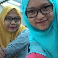 Photo taken at International College of Yayasan Melaka (ICYM) by Fadz Z. on 7/10/2015