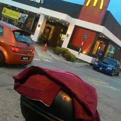Photo taken at McDonald's by Naim A. on 7/18/2015