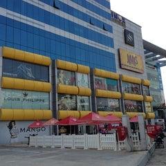 Photo taken at Garuda Mall by Tak0107 on 5/23/2013