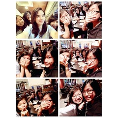 Photo taken at Pizza Hut by putri d. on 3/31/2015
