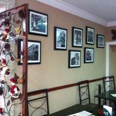 Photo taken at Espaço Café Central by Leandro C. on 12/20/2012