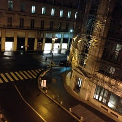 Photo taken at Timhotel Le Louvre by Pinar S. on 10/14/2013