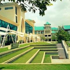 Photo taken at Graduate School of Management (IIUM-GSM) by Naeem N. on 11/28/2012