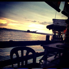 Photo taken at The Seafarer Restaurant by Kyle Y. on 12/22/2012