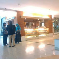Photo taken at Hotel Salak The Heritage by Mahdesi I. on 10/19/2015