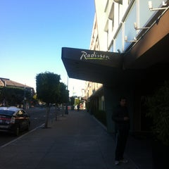 Photo taken at Radisson Hotel Fisherman's Wharf by Karina G. on 2/21/2013