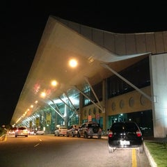 Photo taken at Aeroporto Internacional de Belém (BEL) by fred asp on 2/18/2013