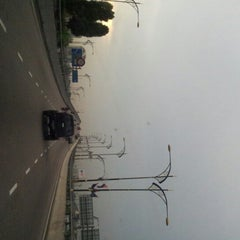 Photo taken at Flyover Jln T.Razak / Datin Halimah by Harry P. on 11/26/2012