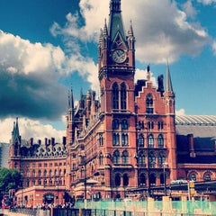 Photo taken at London St Pancras International Railway Station (STP) by Frankois on 8/22/2013