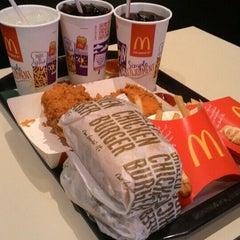Photo taken at McDonald's Kok Lanas Drive Thru by Laila A. on 8/7/2015