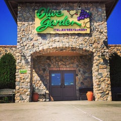 Photo taken at Olive Garden by Mark C. on 10/17/2014