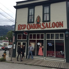 Photo taken at Red Onion Saloon by Kylie Jane K. on 7/10/2014