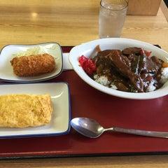 Photo taken at 厚木恩名食堂 by うし on 6/27/2015
