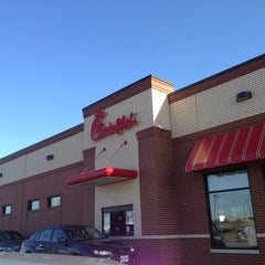 Photo taken at Chick-fil-A by Justin W. on 3/26/2013