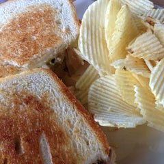 Photo taken at Hammontree's Grilled Cheese by Leslie H. on 2/19/2013