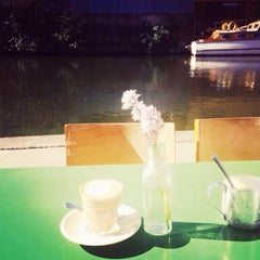 Photo taken at Towpath Cafe by Dilara on 4/12/2015
