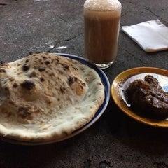 Photo taken at Kedai Roti Tempayan by Syed Sadiq on 2/3/2016