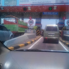 Photo taken at Gerbang Tol Parangloe by Andha S. on 9/17/2013