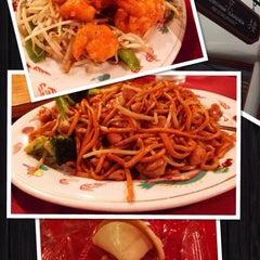 Photo taken at Yenchim Garden Restaurant by Roger M. on 2/20/2014
