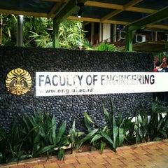 Photo taken at Fakultas Teknik by Novandika K. on 10/7/2012
