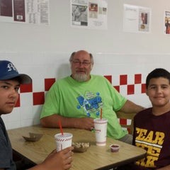 Photo taken at Five Guys by Heather D. on 7/9/2013