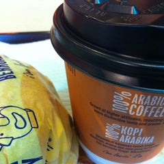 Photo taken at McDonald's by Lee W. on 11/24/2012