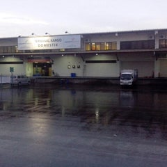 Photo taken at Terminal Cargo Bandara Juanda by Jefta H. on 12/12/2013