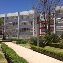 Photo taken at Universidad del Valle de México (UVM Campus Zapopan) by Elvii C. on 4/20/2013
