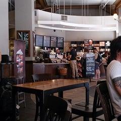 Photo taken at Starbucks by Kensuke G. on 9/3/2013