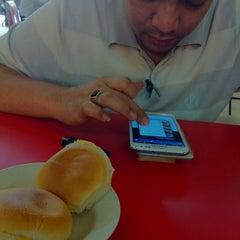Photo taken at Nasi Kak Wook by HaFizuL I. on 11/5/2012