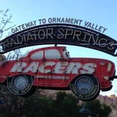 Photo taken at Radiator Springs Racers by Raúl H. on 12/10/2012
