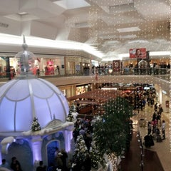 Photo taken at Fair Oaks Mall by Chida S. on 12/24/2012