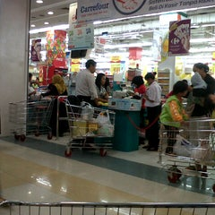 Photo taken at Carrefour by scharlita a. on 12/3/2012