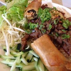 Photo taken at Pho Hoa Noodle Soup by Akira I. on 6/4/2013