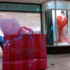 Photo taken at Victoria's Secret PINK by Daniel B. on 12/12/2013