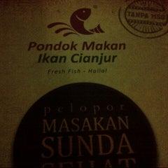 Photo taken at Ikan Pesmol Cianjur by Monica N. on 7/31/2013