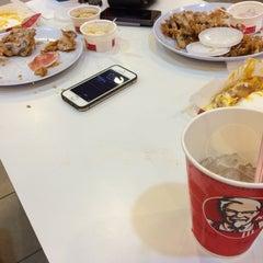 Photo taken at KFC by AnwarHilmi E. on 4/5/2014