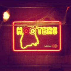 Photo taken at Hooters by Tereza A. on 10/31/2012