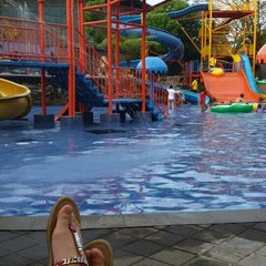 Photo taken at Siliwangi Swimming Pool by Dyta D. on 7/25/2015