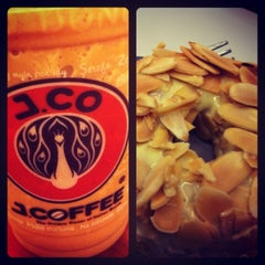 Photo taken at J.CO Donuts & Coffee by Melanie R. on 10/26/2012